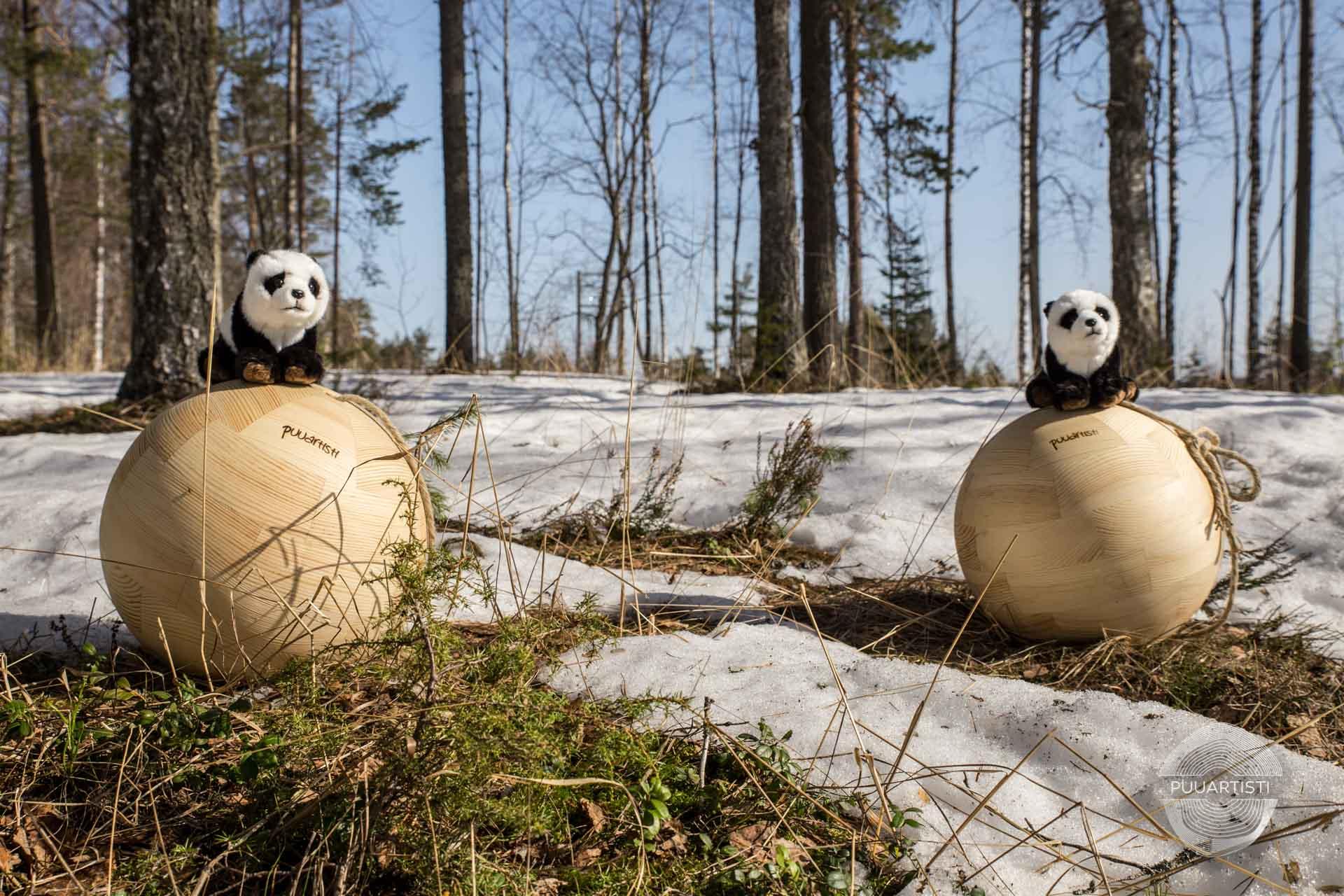 Puuartisti Panda balls Woodartist Photographer Joona Kotilainen