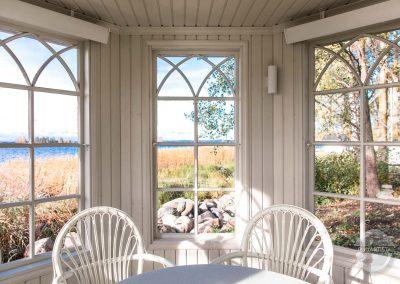Pavilion With Artisan Windows