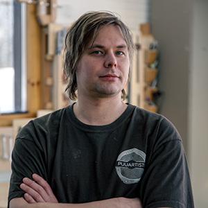 Puuartisti - Woodartist - Mika Kareinen